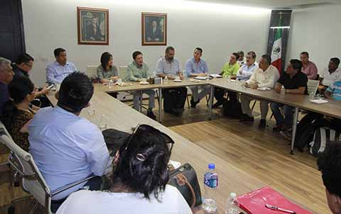 Con Diálogo Avanzan Gestiones de Proveedores de Palenque