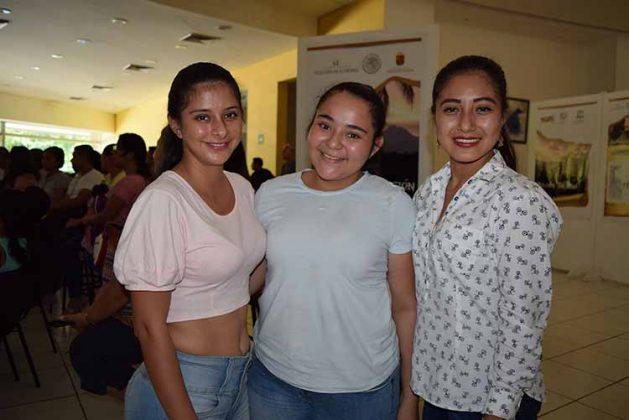 Melissa López, Carolina López, Alondra Vázquez.
