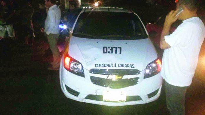 Choque Entre Taxi y Motocicleta Deja dos Heridos