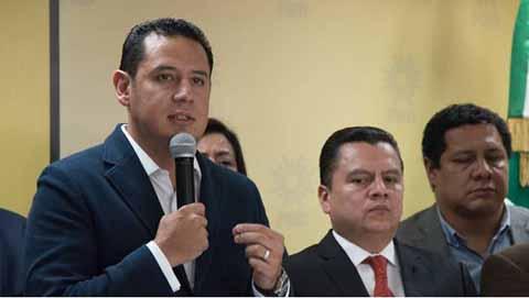 Partidos MC y PRD Obrecen a López Obrador Votos Para Echar Atrás la Reforma Energética