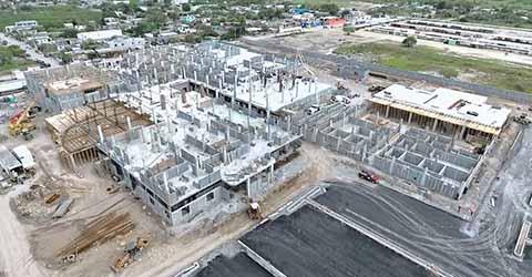 Constructoras Foráneas Acaparan Obras, Desplazando a las Locales