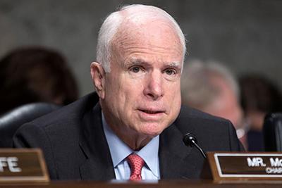 Fallece a los 81 Años John McCain, Senador Republicano y Opositor de Trump