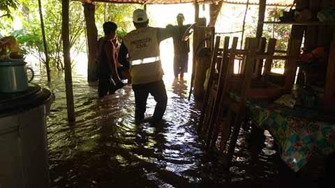 Lluvias Torrenciales Causan Inundaciones en Huixtla