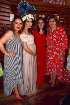 Edith, Alejandra, Rocío Vázquez, Emma Rodríguez.