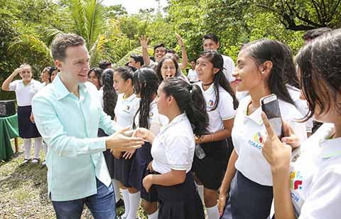 Entrega Velasco Aula Didáctica en el Cobach 70 de Tapachula
