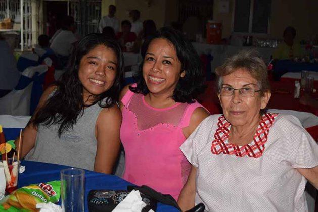 Aislyn Hernández, Ivania López, Sonia Castillo.
