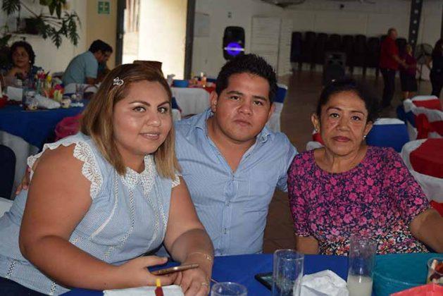Lizbeth Ramos, Ernesto Coutiño, Carmelilta Hernández.