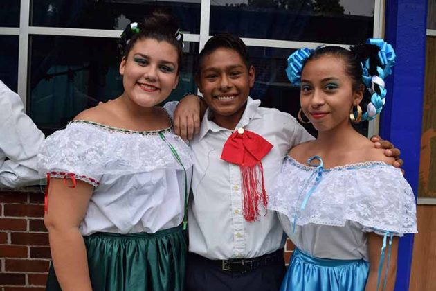 Astrid Torregrosa, Luis Hernández, Jennifer Colón.