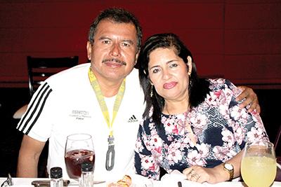 Jonathan Leal, Lupita López.