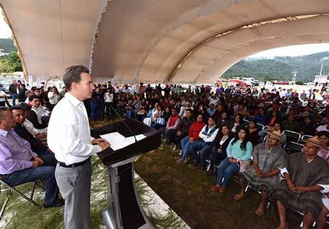 El Gobierno de Manuel Velasco Collo se ha enfocado en proteger el medio ambiente y evitar asentamientos humanos en zonas de riesgos, muestra de ello son los decretos entregados para San Cristóbal de Las Casas y municipios de la región Norte, de los Programas de Ordenamiento Ecológico del Territorio.