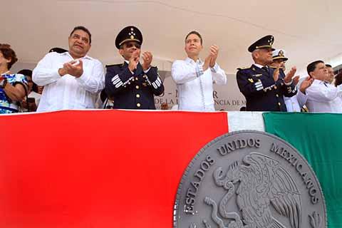Presencia Velasco Desfile por el 208 Aniversario de la Independencia de México