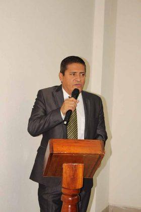 Pedro Ovilla. Director General.