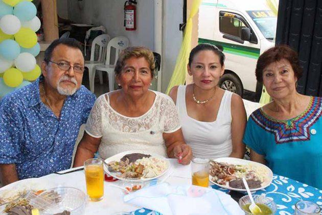 Tomy, Salomé Regalado, Alicia Rodas, Hortensia López.