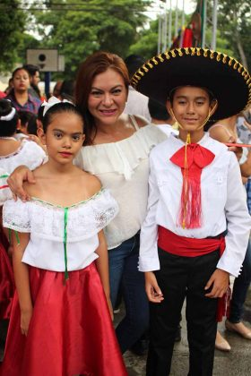 Sofía Rueda, Patty Figueroa, René Rueda.
