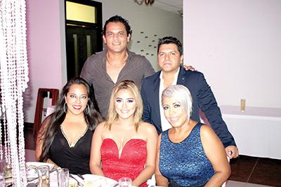 Larix Díaz, Alex Juárez, Stephany Díaz, Faustino Damián, Reyna Martínez.