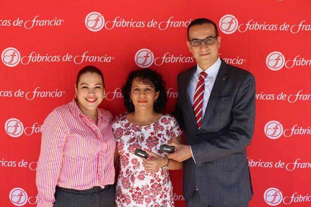 Berenice González, Jefa de Publicidad; Ana Toledo, Bruno Calderón, Director General Fabricas de Francia.