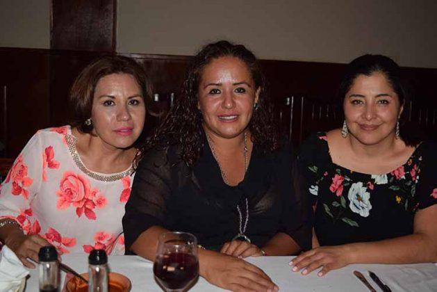 Karla, Paola Padilla, Andrea Valencia.