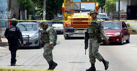 Respaldan Presencia del Ejército y Marina en las Calles