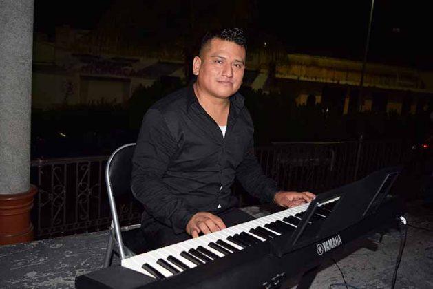Marco Gómez, maestro de Piano.