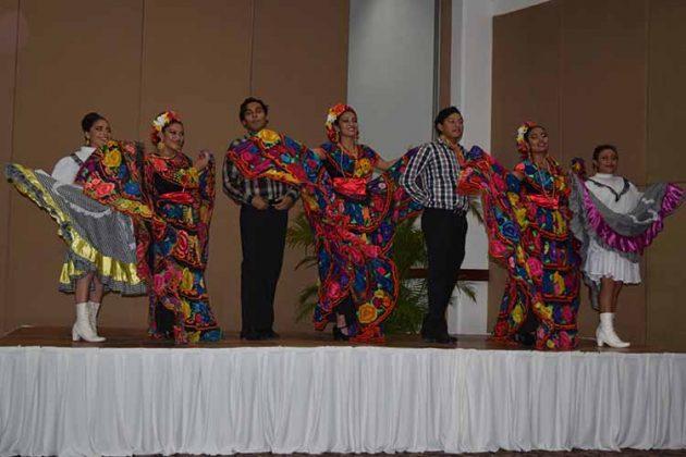 Destacada participación del ballet folklórico del ITT.