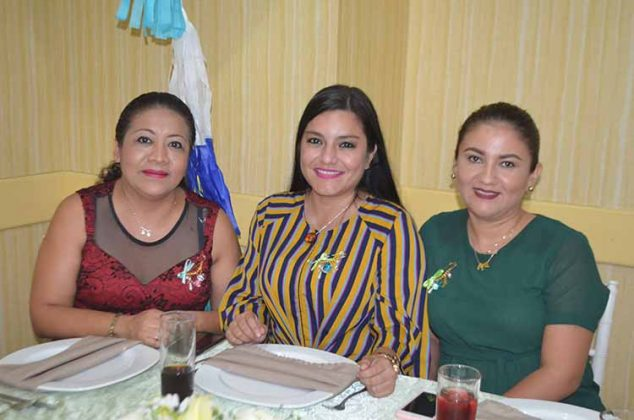 Gabriela Orozco, Melany Esquinca, Karen Ochoa.