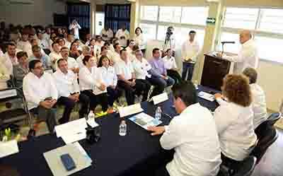 Exponen Avances en Calidad Académica e Infraestructura de la UNACH en Arriaga