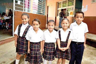 Yeimi Morales, Sara López, Ariadne Martínez, Casiri Gordillo, Isaac López.