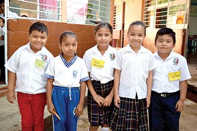 Julio Espinosa, Yadira Marisol, YeniChilel, Camila Prieto, Julia Vázquez.