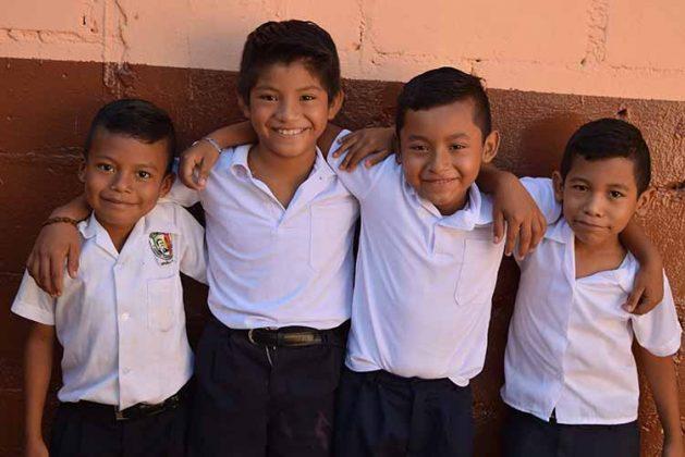 Julián Pérez, David Hernández, Joshua Feliciano, ,Raúl Alfaro.