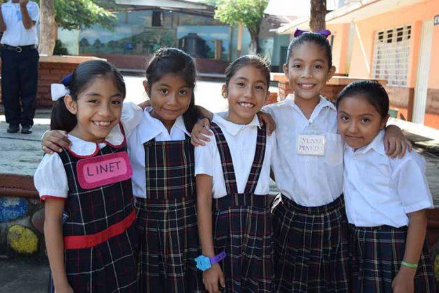 Lilnet López, Tavata Ortiz, Sandra Figueroa, Yensi Pineda, Martha Alvarado.