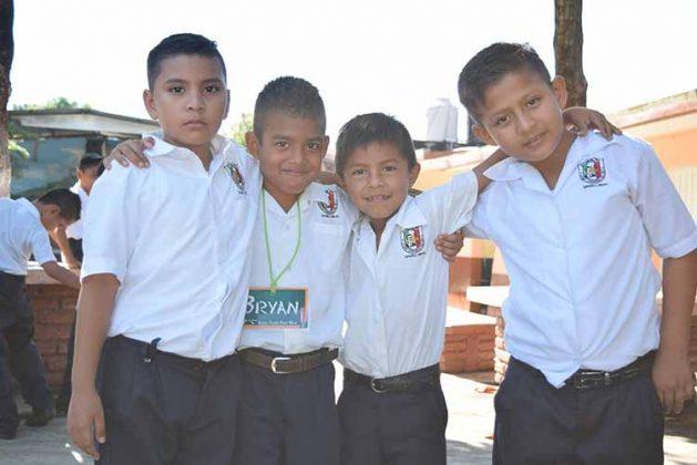 Axel, Bryan Rodas, Elías Ruiz, Emmanuel Rodas.