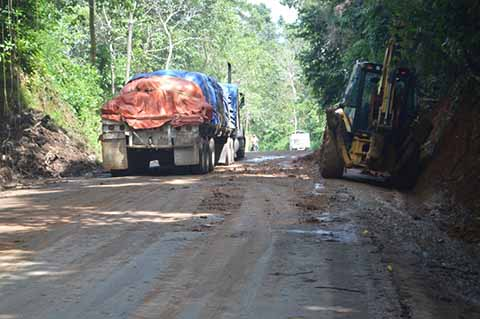 "Lenta la Reconstrucción de la Carretera ""Ruta del Café"""
