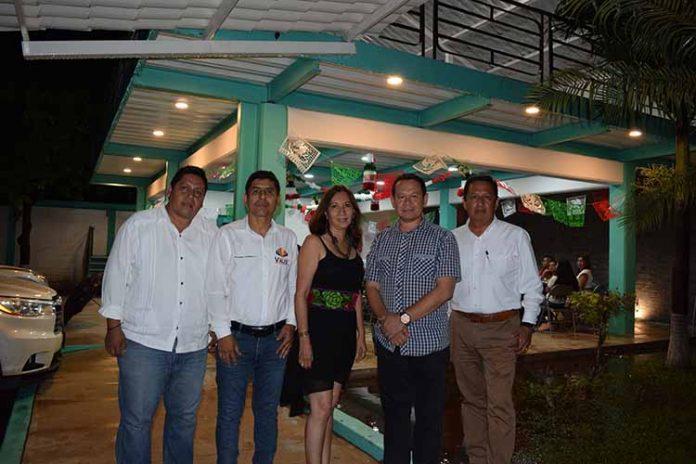Integrantes del XX Consejo Directivo: Carlos Toledo, César Valenzuela, Elizabeth Chang, Carlos Rodríguez, Odilio Hernández.