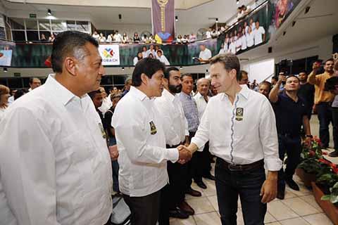 En el marco de los festejos del 40 aniversario del Colegio de Bachilleres de Chiapas, el gobernador Manuel Velasco Coello Coello encabezó la inauguración de las instalaciones de Radio y Televisión CobachTV.