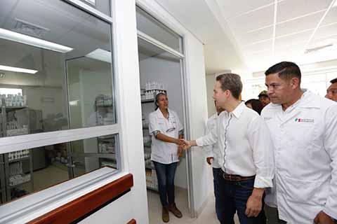 El Mandatario Estatal destacó que el Centro de Salud con Servicios Ampliados recién inaugurado, está abierto las 24 horas, los 365 días del año, con lo que se cumple una añeja demanda que beneficia a más de 24 mil habitantes.