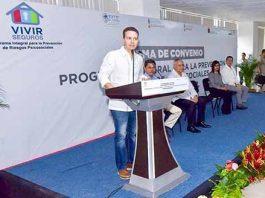 El gobernador Manuel Velasco atestiguó la firma de un convenio signado por la Fiscalía General del Estado, Secretaría de Educación y Secretaría de Salud, que garantiza el fortalecimiento de los valores y la promoción de la convivencia armoniosa en espacios públicos y privados.