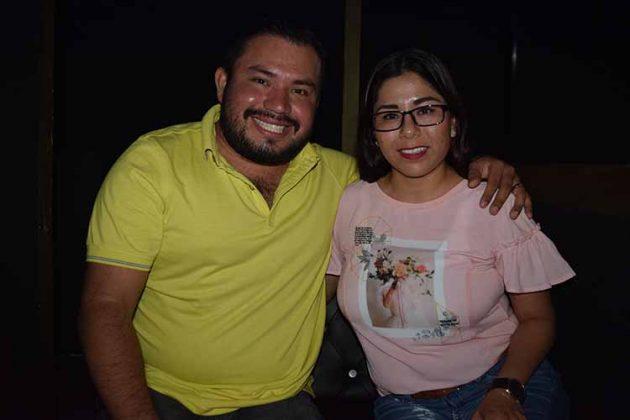 Tony Carreón, Adriana Reyes.