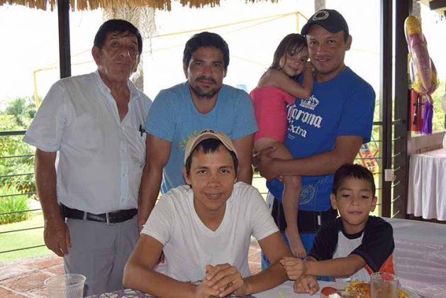 Dusein Muñoz, Alejandro González, Regina Ruiz Tavo López, José Ramírez, Emiliano Fuentes.