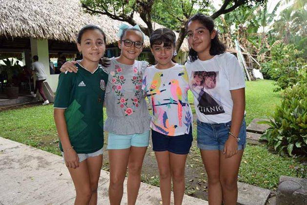 Paulina Marín, Mónica Barrios, Giovanna Lorenzini, Beatriz D´Argence.