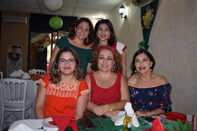 Mónica Grajales, Lorena Villaseñor, Aracely Morales, Carmen Domínguez, Karina de Mak.