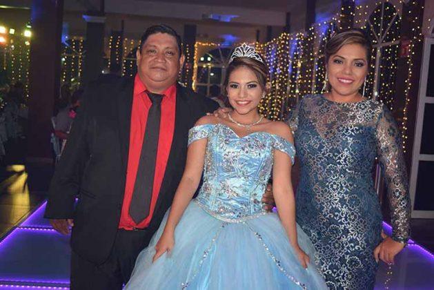 Reynaldo Ramírez, Karla Denise, Adriana López.