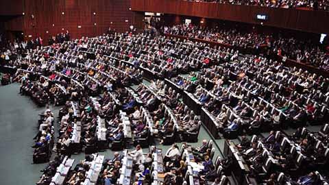 Diputados Aprueban Ley Para que Ningún Funcionario Gane más que el Presidente
