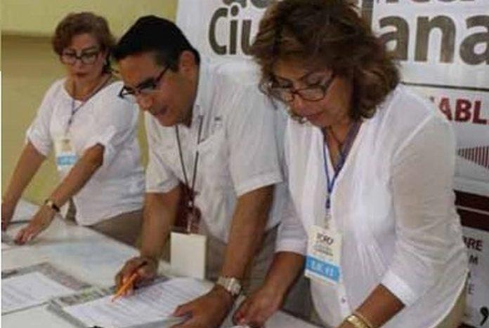 Las propuestas respaldadas por firmas de los diversos sectores de Tapachula, fue recibida por el comité de las Mesas de Atención Ciudadana, de la próxima administración municipal.