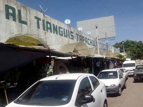 Familiares de Ex directivos del Tianguis Tapachula Agreden a Locatarios