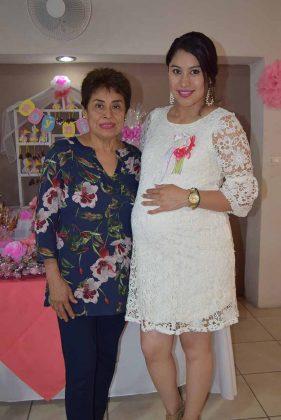 Lidia Santos, Alejandra Gómez.