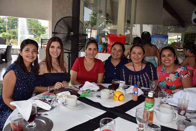 Cindy de Elorza, Farah Cerdio, Rosario Casahonda, Nora Cajas, Yomara Espino, Gabriela Delgado.