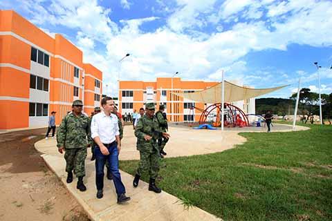 Supervisa Velasco Avances en Construcción del Cuartel Militar