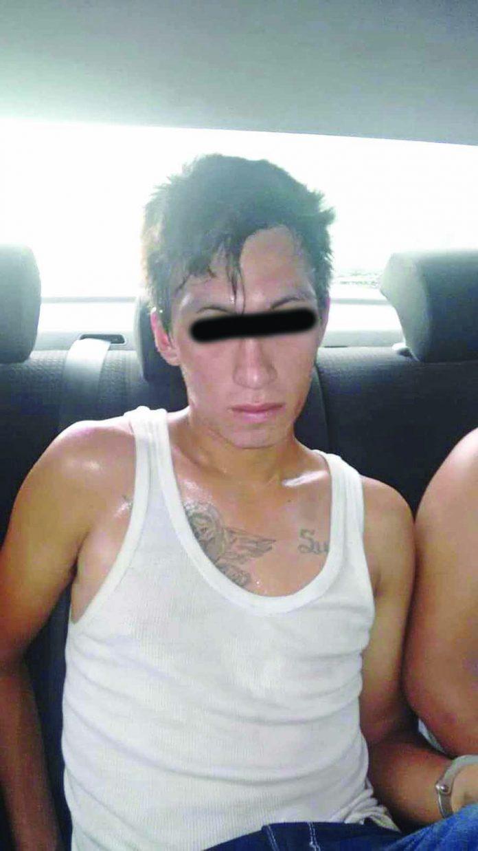 En Revisión se les Encontró Presunta Cocaína