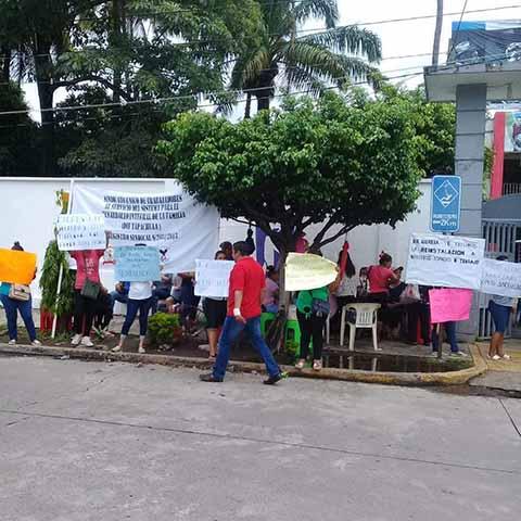 Protestan Trabajadores del DIF Mpal; los Dejaron Fuera de Nómina