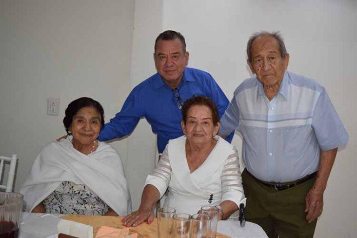 Sergio Orozco Toledo & Guillermina Toledo Rodríguez, festejaron sus respectivos cumpleaños.